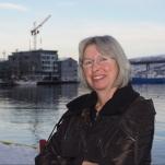 """Eli Johanne Ellingsve, forfatter av boka """"1000 ord i nord"""". Foto: Hilde Kat. Eriksen / Nordkalottforlaget, 2013"""