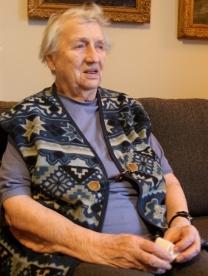 Astrid Storhaug, født i Rana i 1912, har vært helsesøster i Rana i et langt yrkesliv. Foto: Ann Kristin Klausen
