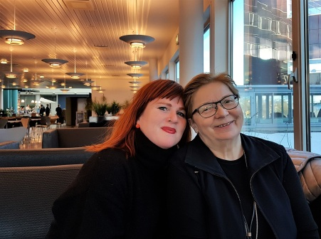 Forfatter- og forlegger/gjendikter-duoen Rita Sørly og Rauni Magga Lukkari brenner for tospråklige barnebøker, der ett av språkene er samisk.