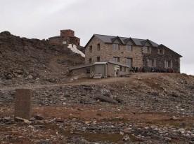Verdens første nordlysobservatorium, på den 900 meter høye Halddetoppen ved Alta. Foto: Dagrunn Grønbech